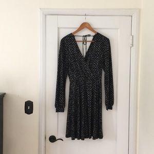 ✨NEW LISTING✨ BCBGeneration long sleeve dress